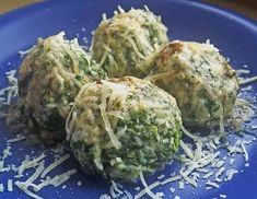 Spinat-Mascarpone-Knödel - Rezept - ichkoche.at Swiss Recipes, Dumplings, Sprouts, Cravings, Cabbage, Food And Drink, Cooking Recipes, Vegetables, German