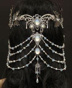 elvish *butterfly* headpiece jewelry tiara Headpieces und Accessoires by Zerrenety Head Jewelry, Body Jewelry, Silver Jewelry, Jewelry Gifts, Jewelry Hanger, Unique Jewelry, Jewellery Rings, Amber Jewelry, Jewelry Stand