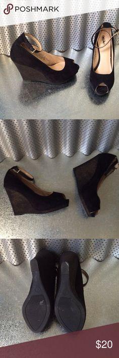 Wedges like New.. 🎉 Massimo Shoes Wedges