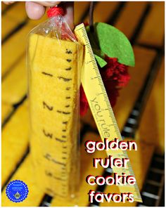 These golden ruler cookie favors are too freakin' cute! via Kim Homework Organization, Cookie Favors, Frugal Tips, Cool Diy Projects, Ruler, Teacher Gifts, School Ideas, Back To School, Posts