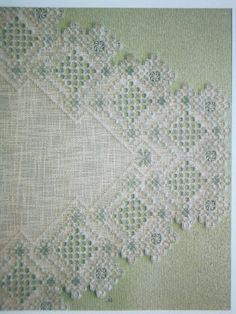 Description:Material: Cotton Linen, Bamboo Embroidery HoopSize: Diameter As the picture showQuantity: 1 x embroidery x needlework x x embroidery x embroidery x embroidery threadsCraft: The embroidery kit contains instructions to teach you how Types Of Embroidery, Learn Embroidery, Embroidery Patterns, Embroidery Stitches, Hardanger Embroidery, Paper Embroidery, Polly Polly, Crochet Doily Patterns, Doilies Crochet