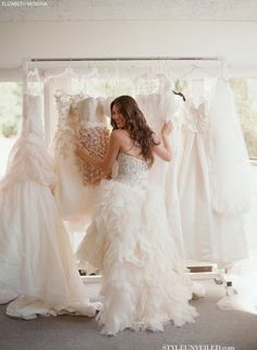 Choosing the Perfect Wedding Dress - 8 steps to get you started on choosing the best wedding dress for your special day.