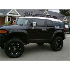 2007 Toyota FJ Cruiser   Omfggghh amazing dream car.