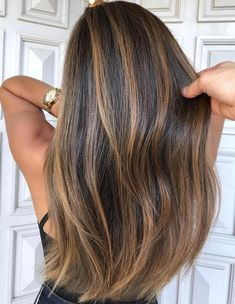 Hair color:golden blonde highlights exciting chestnut brown hair with and lowlights on red ash Brown Hair Balayage, Brown Blonde Hair, Balayage Hair Brunette Straight, Balayage Bob, Dyed Hair Brown, Blonde Brunette Hair, Golden Brunette, Fall Balayage, Balayage Hairstyle