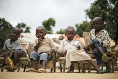 The children of Muslim #CAR #refugees wait as their parents discuss reconciliation in #Zongo, #DRC. UNHCR/ B. Sokol
