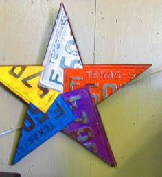 Reclaimed Texas Star from old license plates License Plate Crafts, Old License Plates, License Plate Art, License Plate Ideas, Licence Plates, Texas Star, Diy Craft Projects, Diy Crafts, Tree Crafts