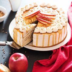 Quoi de plus fun qu'un gâteau de crêpes pour célébrer la Chandeleur ? Ici la recette que j'ai créée et photographiée pour la marque Régilait, et si ça vous dit, la recette est à retrouver sur leur site #work #freelance #photographieculinaire