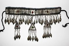 Turkmenischer Tribal-Choker, Tribal-Halsschmuck IV, Tribal Choker, Tribalschmuck, Nomadenschmuck, Halsband mit Anhängern, Tribal Fusion, von neemaheTribal auf Etsy