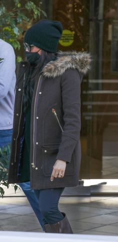 Harry And Meghan News, Kate And Meghan, Megan Markl, Meghan Markle Style, Prince Harry, New Life, Beverly Hills, Canada Goose Jackets, Winter Jackets