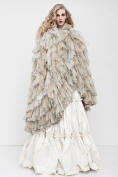 Discover the world of Makány Márta. Discover The Way We Love. Madonna, Wedding Styles, Ready To Wear, Fur Coat, Sassy, How To Wear, Dresses, Ideas, Fashion