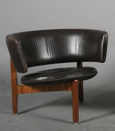 Sven Ellekaer; Rosewood and Leather Lounge Chair for Chr. Linneberg Møbelfabrik, 1960s. 60s Furniture, Unique Furniture, Furniture Design, Mid Century Chair, Mid Century Decor, White Dining Room Chairs, Lounge Chairs, Big Comfy Chair, Brown Leather Chairs