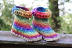 Knit- Look Crochet Braid Stitch Boots (Adult Sizes) – Bonita Patterns Two Boots, Cute Boots, Easy Crochet, Crochet Baby, Free Crochet, Irish Crochet, Baby Patterns, Knitting Patterns, Crochet Patterns