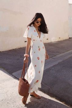 In A Search For A Perfect White Dress For Summer - Sunny Summer Fashion Outfits and Style - Summer Dress Outfits Dress For Summer, Long Summer Dresses, Summer Dress Outfits, Spring Outfits, Long Dresses, Summer Floral Dress, Best Maxi Dresses, Cute Dress Outfits, Beautiful Summer Dresses