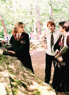 Emma Watson, Rupert Grint, Daniel Radcliffe, Alfonso Cuarón - Harry Potter and the Prisoner of Azkaban set Harry Potter World, Mundo Harry Potter, Harry Potter Love, Harry Potter Characters, Harry Potter Universal, Harry Potter Tumblr, Hermione Granger, Ron Y Hermione, Draco Malfoy