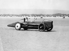 Malcolm Cambell at Pendine Sands in South Wales, 1 350 HP Sunbeam 1920-25