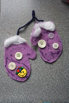 Easy Christmas crafts for kids - I like the star and mitten crafts especially, LMG.