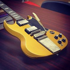 Gibson SG Standard w/ Maestro Lightly Aged in Antique Gold