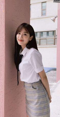 Korean Girl, Asian Girl, April Kpop, Fanfic Kpop, Kim Sejeong, Hey Girl, Kpop Girls, Asian Beauty, Lace Skirt
