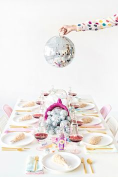 "Modern ""Throwback-themed"" bridal shower idea - pink, gold + silver decor with disco balls {Courtesy of Studio DIY} Disco Theme, Disco Party, Gold Party, Thanksgiving Crafts, Thanksgiving Decorations, Table Decorations, Thanksgiving Table, Party Mottos, Festa Party"