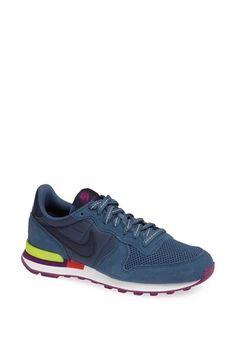 pretty nice 95dc3 f3f46 Nike Internationalist Sneaker Runing Shoes, Nordstrom Shoes, Nike  Internationalist, Retro Sneakers, Sneakers
