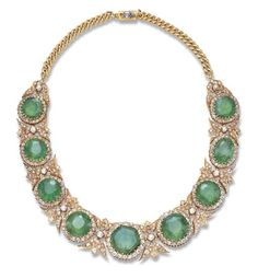 Emerald and Diamond necklace mounted in Gold, circa Royal Jewelry, Jewelry Art, Antique Jewelry, Jewelry Gifts, Jewelery, Vintage Jewelry, Fine Jewelry, Jewelry Design, Moon Jewelry