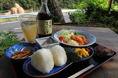 Enjoy rice ball meal al fresco in the midst of paddy rice fields  Komame Diner, Shodoshima, Kagawa, JP