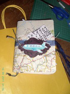 A travel book... mais uma prendinha... Tudo reciclado... Adorei fazer este trabalho!