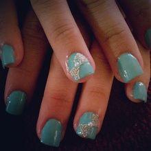 Tiffany Bow nails. I want these like right meow.