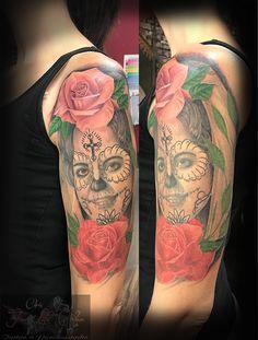 Portrait von Mutter eingearbeitet Obere Rose von heute, rest abgeheilt #forlifecolor #inked #tattoostudiorosenheim #tattooraubling #ink #instatattoo #nofilter #blackandgreytattoo #colortattoo #lacatrina #erinnerungstattoo #inked #inkedlife #tattoo #tattooartist #germantattooers #tattoos #tätowierer #tattoostyle #tattooidea #tattooedgirl #inkart #tattoolife #tattoolovers #tattooart #tattooed #tattooing