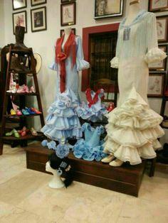 Novedades en trajes de Flamenca, Rosario Román Córdoba Gypsy, Boho, Clothes, Home Decor, Fashion, Flamenco Dresses, Rosario, Outfits, Moda