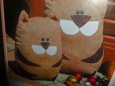 lavoretti creativi dall'uncinetto alla pittura: regali di natale - gatti fermaporta fatti a mano