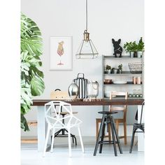 A dining table set transforms the look of a room. Whether you have a separate room reserved for your dining needs or a dining table placed in the hall next Kitchen Trends 2018, Living Room White, Wholesale Furniture, Dining Table, Dining Room, Concrete Design, Leroy Merlin, Reno, Painting Frames