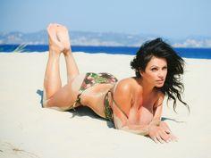#denisemilani #fit #fitnessgoddess #squat #fitfam #fitspo #brunette #model #hot #sexy