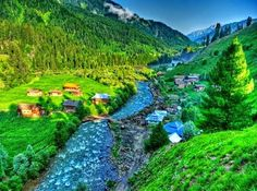 #travel guide: It's the spectacular beauty of valleys like this, that tourists rush to #Kashmir for their summer holiday