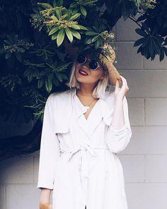 Miten ois trenssitakin käyttäminen mekkona?  Blogissa lisää kuvia!  #fashionstatement #whatiwore #moreontheblog #hmootd #newzealand #summernights