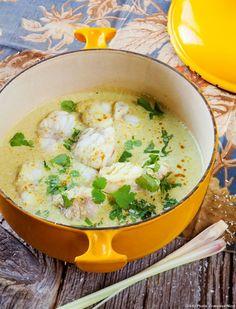 Cette recette de cocotte thaïe constitue un plat exotique parfait pour un déjeuner en famille.