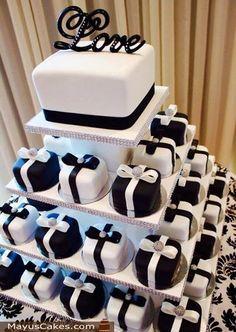 Bling Wedding Cakes, Wedding Cakes With Cupcakes, Wedding Cake Decorations, Wedding Cake Designs, Wedding Desserts, Cupcake Cakes, Mini Cakes, Beautiful Wedding Cakes, Perfect Wedding