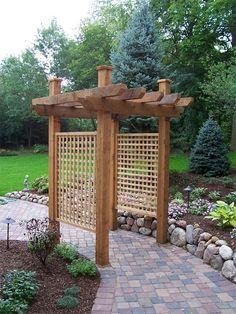 Pass-through garden structure or trellis. Garden Posts, Garden Yard Ideas, Diy Garden, Garden Trellis, Lawn And Garden, Japanese Garden Design, Small Garden Design, Garden Structures, Outdoor Structures