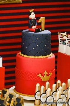 Royal Prince 1st birthday party: The Cake