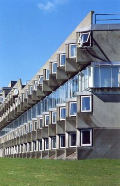 Andrew Melville Hall, James Stirling | St Andrews | United Kingdom | MIMOA
