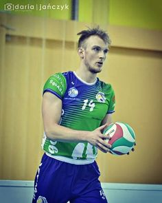 #volleyball #volleyballplayer #sport #fit #win #beard #awful #ryj #ziemniak #potato #givemesomelove #nohaircut #biceps
