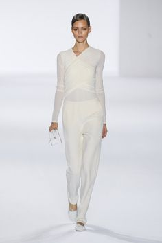Chloé Spring 2011 Runway Pictures - Livingly