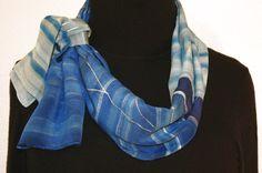 https://www.etsy.com/de/listing/97983157/silk-scarf-handpainted-blue-grey-hand?ref=related-7