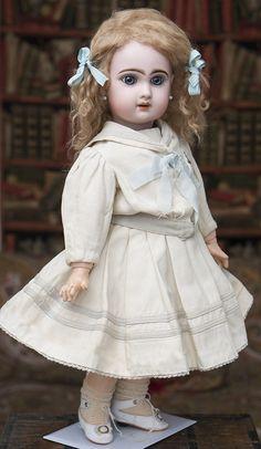 "21"" (54 cm) Jumeau doll w.open mouth Antique dolls at Respectfulbear.com"