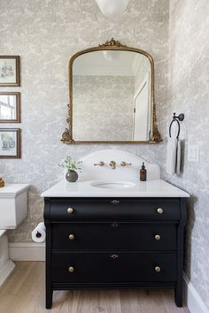Home Design, DIY and Travel Inspiration Home Design, Design Blog, Bad Inspiration, Bathroom Inspiration, Travel Inspiration, Powder Room Vanity, Powder Rooms, Black Powder Room, Bathroom Renos