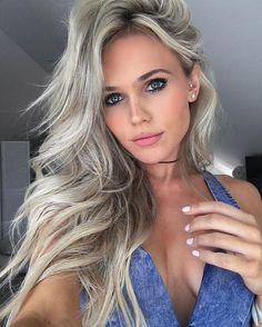 Hilde Osland is a norwegian model ⭐️⭐️⭐️⭐️ Blonde Beauty, Hair Beauty, Hot Blondes, Beautiful Models, Beautiful Women, New Hair, Hair Inspiration, Hair Makeup, Makeup Lipstick