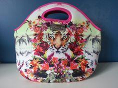 Bolso de neoprene, Lunchera, Necesaire Lunch Box, Bags, Satchel Handbags, Style, Handbags, Bento Box, Bag, Totes, Hand Bags
