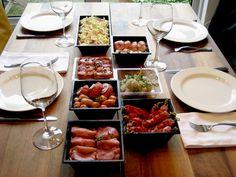 Op feestjes en met feestdagen wordt er vaak voor gekozen om te gourmetten. Als gastheer of gastvrouw zijnde is het van belang dat je vooraf goed nadenkt welke b