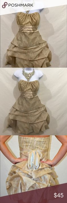 Women's Sequin Hearts Formal Dress Size S New Without Tag (never worn) in excellent condition. Broach included. The Dress says Size 11, but it fits me. I am Size S, Breast 86-90. Hope that helps. 🌺 Sequin Hearts Dresses Midi