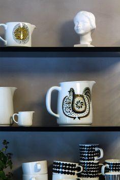 Kukkokannu, Lintu kaadin,  Arabia, Birger Kaipiainen. Bird pitcher. Tuulen tupa. Bird, Mugs, Tableware, Dinnerware, Birds, Tumblers, Tablewares, Mug, Dishes